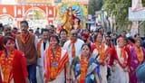 सरोवर नगरी में मां दुर्गा को शोभायात्रा के साथ नम आंखों से दी विदाई