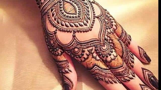 karva chauth 2018 see here beautiful trending latest back hand mehndi design pictures