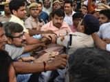 दिल्ली में सिग्नेचर ब्रिज के उद्घाटन से पहले हंगामा, मनोज तिवारी और AAP कार्यकर्ताओं के बीच हाथापाई