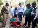 तेंदुआ के हमले से घायल बालिका को देखने पहुंचे उप निदेशक