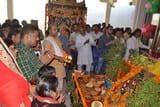 पूजे गए भगवान गोवर्धन, मंदिरों में हुए अनुष्ठान