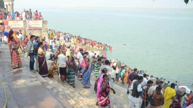 before chhath pooja devotee took ganga snan