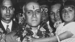 चाचा नेहरू को था बच्चों से लगाव (फोटो - Keystone/Getty Images)