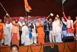 संभल में श्रीकल्कि महोत्सव का भव्य शुभारंभ, लहराये तिरंगे
