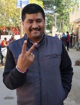 अध्यक्ष प्रत्याशियों में निर्दलीय प्रकाश पांडेय ने डाला सबसे पहले वोट