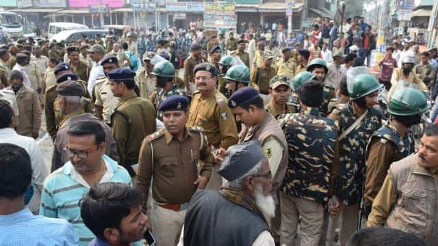 lathi charge and rampage after Stubbornness of RJD activists on meeting with Chief Minister at supau