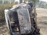 मेडिकल छात्रों ने विधायक की 4 लग्जरी कारों को किया आग के हवाले