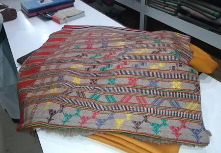 गोरखपुरियों को ठण्ड से राहत दिलायेगी जैसलमेरी चादरें