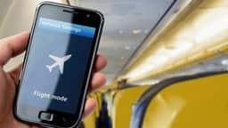 हवाई उड़ान के दौरान मोबाइल को फ्लाइट मोड में करने से आजादी जल्द