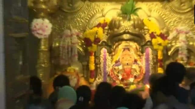महाराष्ट्र में आज से खुले धार्मिक स्थल, बड़ी संख्या में दर्शन को उमड़े श्रद्धालु