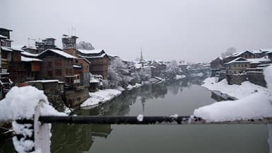 Cold waves continues in Kashmir valley