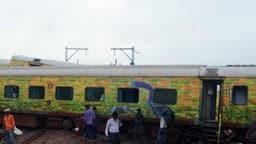 जम्मू-दिल्ली दुरंतो एक्सप्रेस में यात्रियों को लूटा (File Photo : HT)