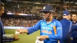 MS Dhoni and Sanjay Bangar.jpg