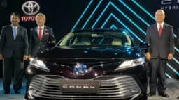 Toyota Camry Hybrid 2019 Launched In India