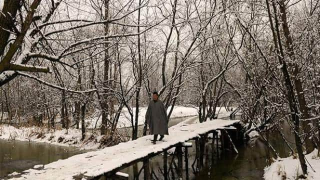 Fresh heavy snowfall in jammu and kashmir