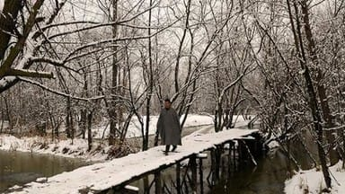 Fresh heavy snowfall in jammu and kashmir