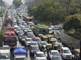 दिल्ली में मंगलवार को हुई बारिश के बाद सड़कों पर लगे जाम में वाहन घंटों फंसे रहे। (Photo : HT)