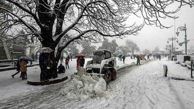 himachal pradesh: heavy snowfall in northern hill of Shimla