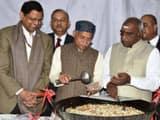 वित्त राज्य मंत्री शिव प्रताप शुक्ला और पॉन राधाकृष्णन ने वित्त मंत्रालय के वरिष्ठ अधिकारियों के साथ