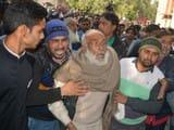 फैसला सुनाए जाने के बाद कोर्ट परिसर में अफरातफरी का माहौल हो गया (फोटो : हिन्दुस्तान)