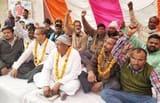 बैटरी रिक्शा चालकों की हड़ताल जारी