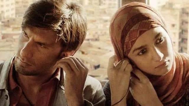 GULLY BOY: रणवीर-आलिया की फिल्म देखकर फैन्स दे रहे हैं ये रिएक्शन्स