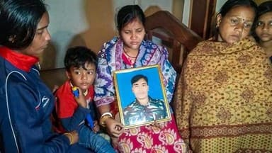 Pulwama terror attack: Family members mourn the death of CRPF jawan