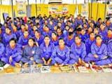पुलिस लाइन में सोमवार को आयोजित 'हिन्दुस्तान' के संवाद कार्यक्रम में शामिल प्रशिक्षु महिला सिपाही।