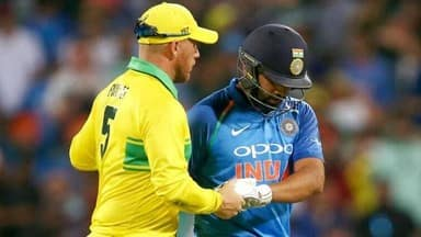 Aaron Finch and Virat Kohli.jpg