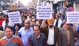 क्लीनिक इस्टेब्लिशमेंट एक्ट के खिलाफ डॉक्टरों ने निकाली रैली