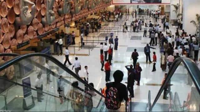 प्लेन हाइजैक करने की धमकी के बाद हाई अलर्ट पर देश के सभी हवाई अड्डे