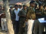 वारदात के बाद मामले की छानबीन करती पुलिस (फोटो - हिन्दुस्तान)