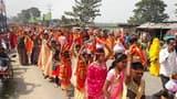 कुर्साकांटा: महिलाओं ने निकाली कलश यात्रा