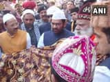 Ajmer: BJP's Mukhtar Abbas Naqvi on behalf of PM Narendra Modi offered a 'Chaadar' at Ajmer Sharif D