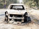 बीसलपुर बरेली मार्ग पर कार बनी आग का गोला, बाल बाल टला हादसा
