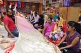 लगन के बाद होली की धूम, कपड़ा बाजार बूम