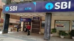 SBI अपने स्पेशल कस्टमर्स को देगा खास सर्विस, नहीं पड़ेगी बैंक जाने की जरूरत