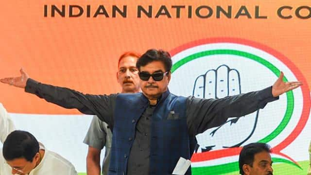 lok sabha elections 2019  shatrughan sinha joins congress