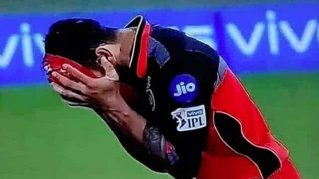 indian premier league 2019 ipl 12 RCB vs KKR Virat Kohli photos going viral after royal challengers bangalore vs kolkata kingh riders match - IPL 2019 RCB vs KKR: हार के बाद