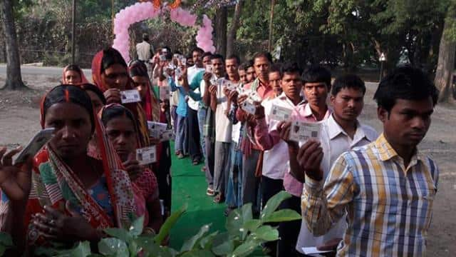 lok sabha elections 2019  people standing in big lines for voting in bihar since morning