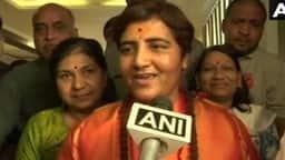 Hindi News: साध्वी प्रज्ञा को BJP ने भोपाल से दिया टिकट, दिग्विजय को देंगी टक्कर