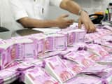 income tax department officials seized rs 1 48 crore of unaccounted cash from a worker of ttv dhinak