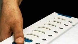 man cut his finger as he cast wrong vote