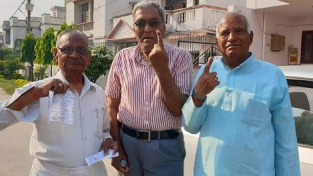 three retired army men casted vote in bareilly
