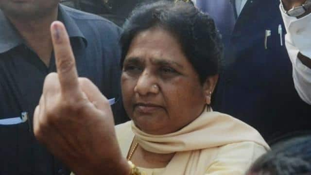 mayawati casted her vote in lucknow