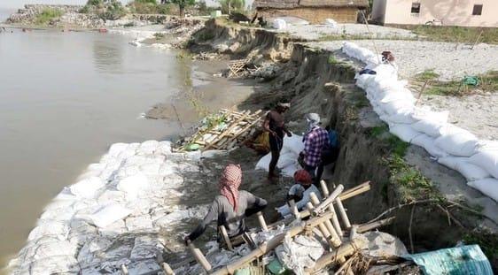शारदा नदी का जलस्तर घटा, फिर शुरू हुए बचाव कार्य