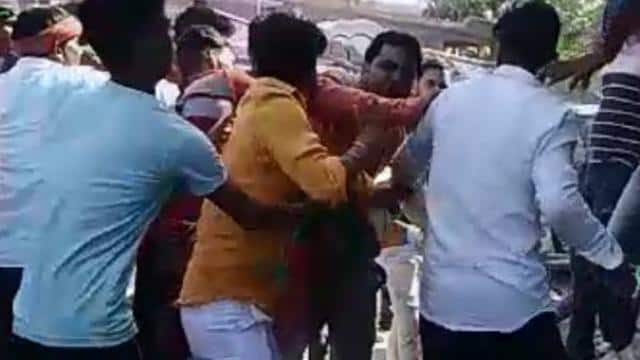 lok sabha elections  bjp and sp workers clash in chandauli