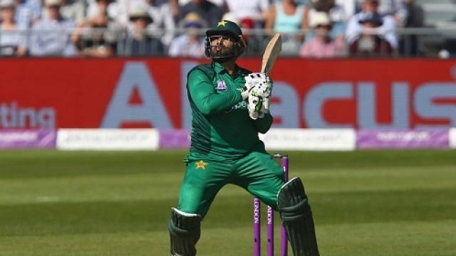 PAK क्रिकेटर आसिफ अली की दो साल की बच्ची का कैंसर से निधन