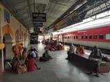 जयनगर समस्तीपुर रेल खंड में ब्लाक के कारण यात्री परेशान