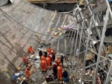 bar roof collapse in china